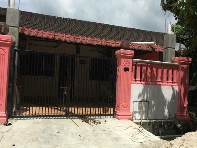 old terrace house car porch malaysia